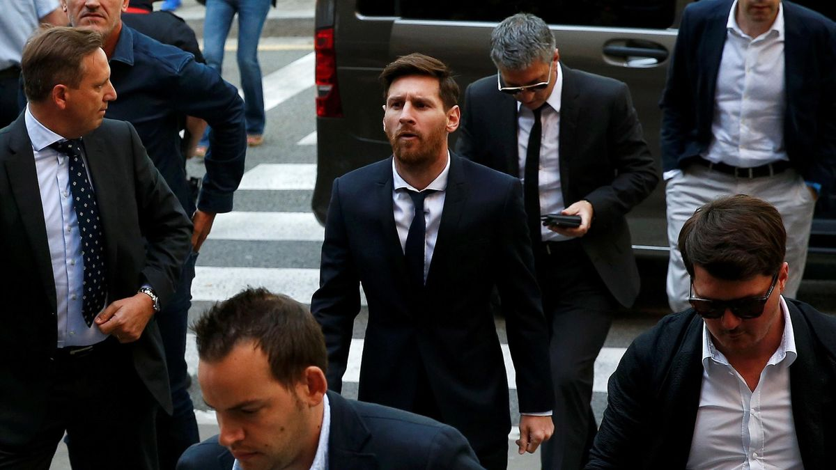 The father of Lionel Messi has arrived Barcelona.